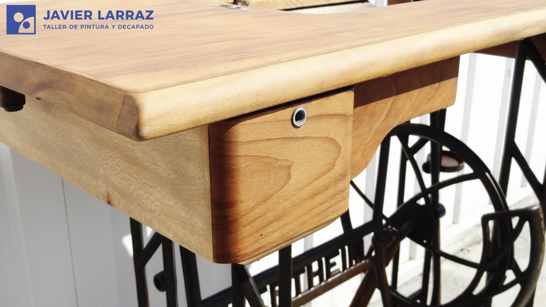 Restaurar muebles de madera barnizados cheap pintar for Pintar muebles barnizados